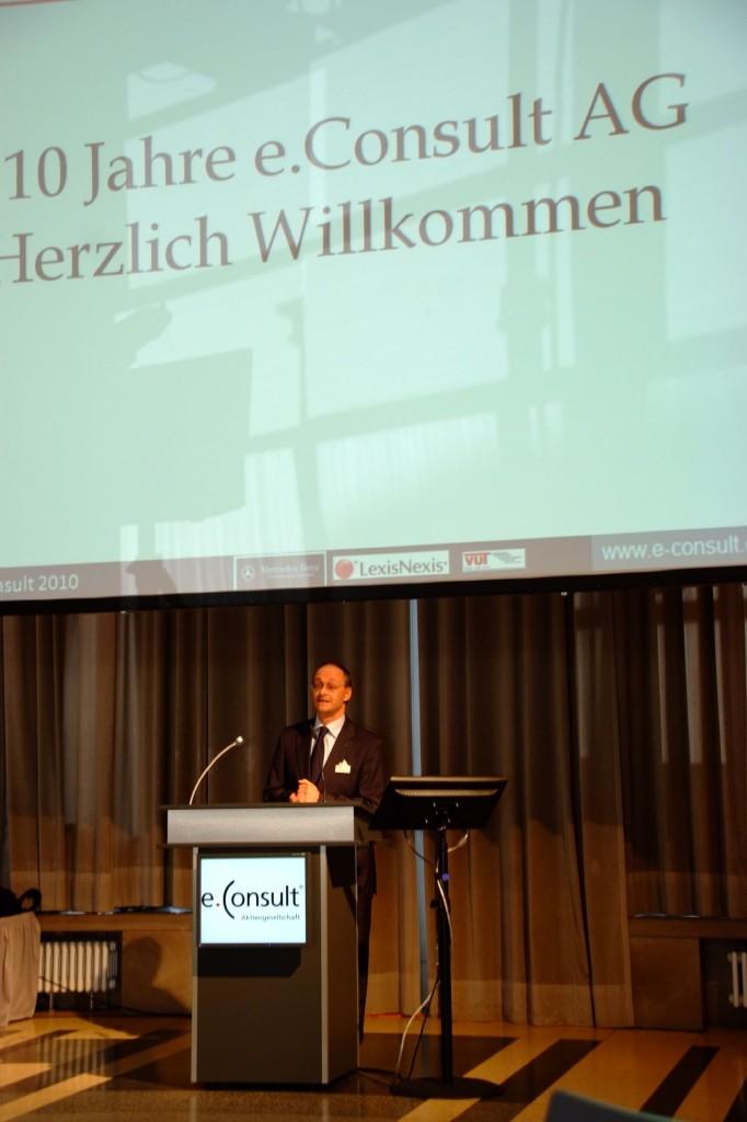 Rechtsanwalt Hubert Beeck, Aufsichtsratsvorsitzender der e.Consult