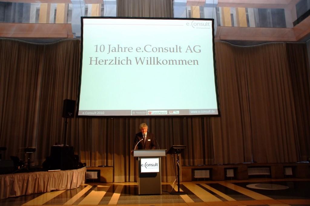 Rechtsanwalt Roland Müller, Geschäftsführer Allianz Rechtsschutz Deutschland